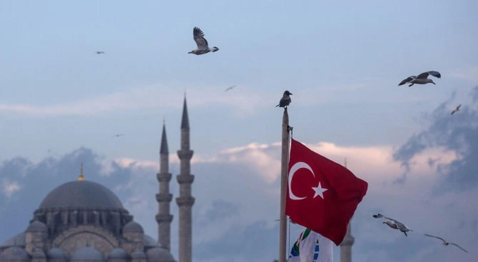 Турция планирует открыть торговые центры 11 мая