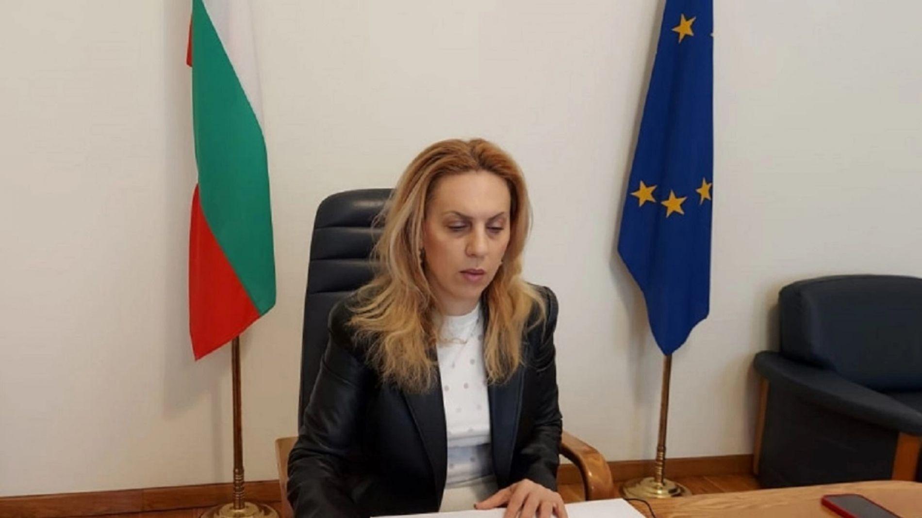 Николова раскрыла условия, в которых иностранные туристы будут отдыхать в Болгарии