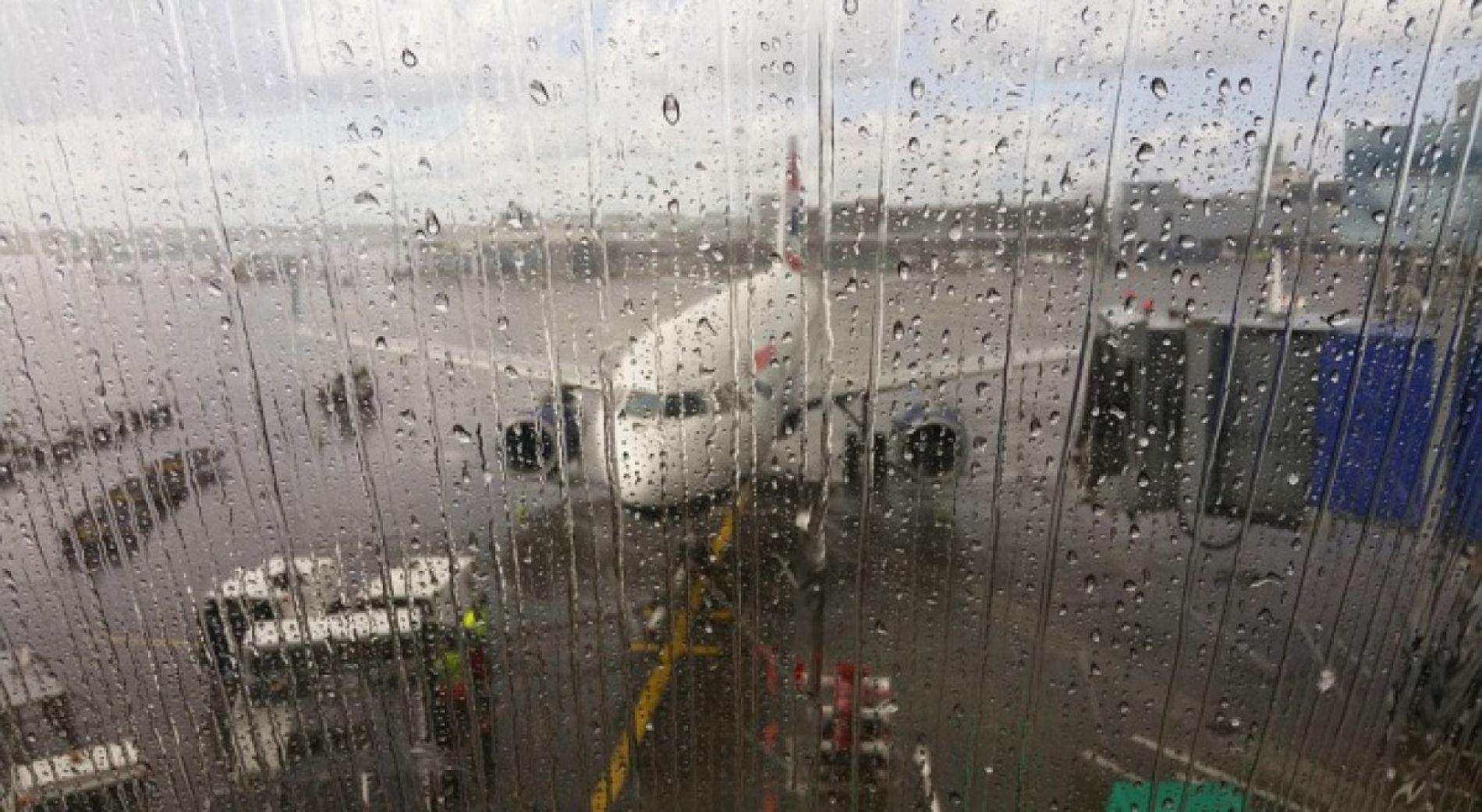 Отмена полетов и беспокойство туристов в аэропорту Бургаса