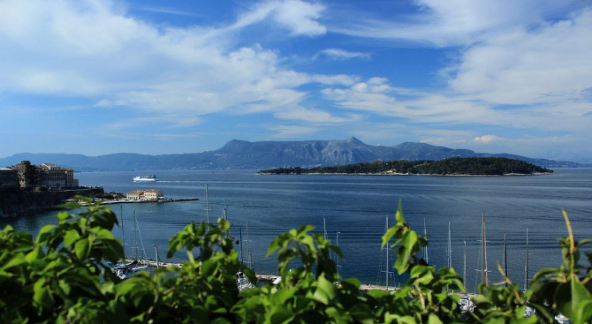 Болгарские туристы заблокированы на острове Самофракия из-за остановленных паромов