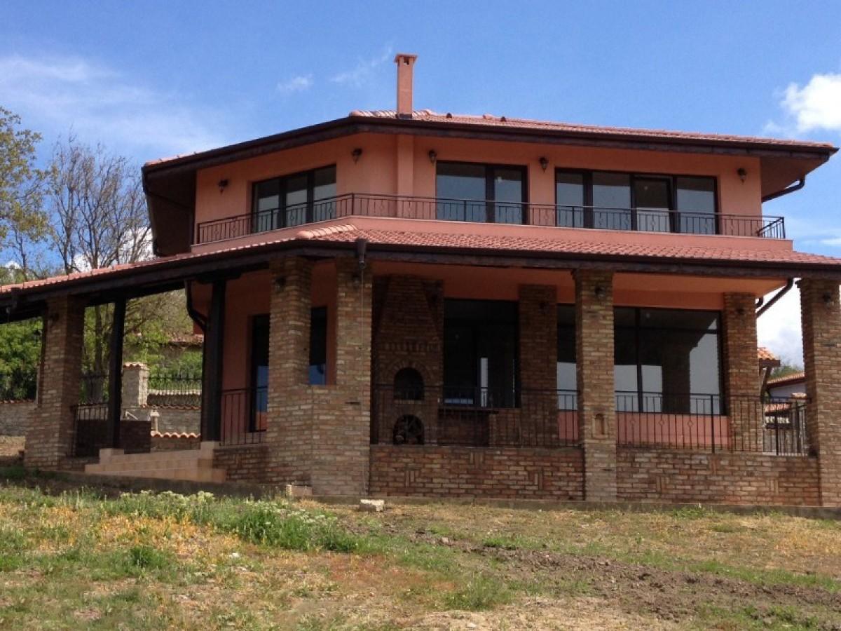 Самостоятельный  дом в Аврен Варна Болгария