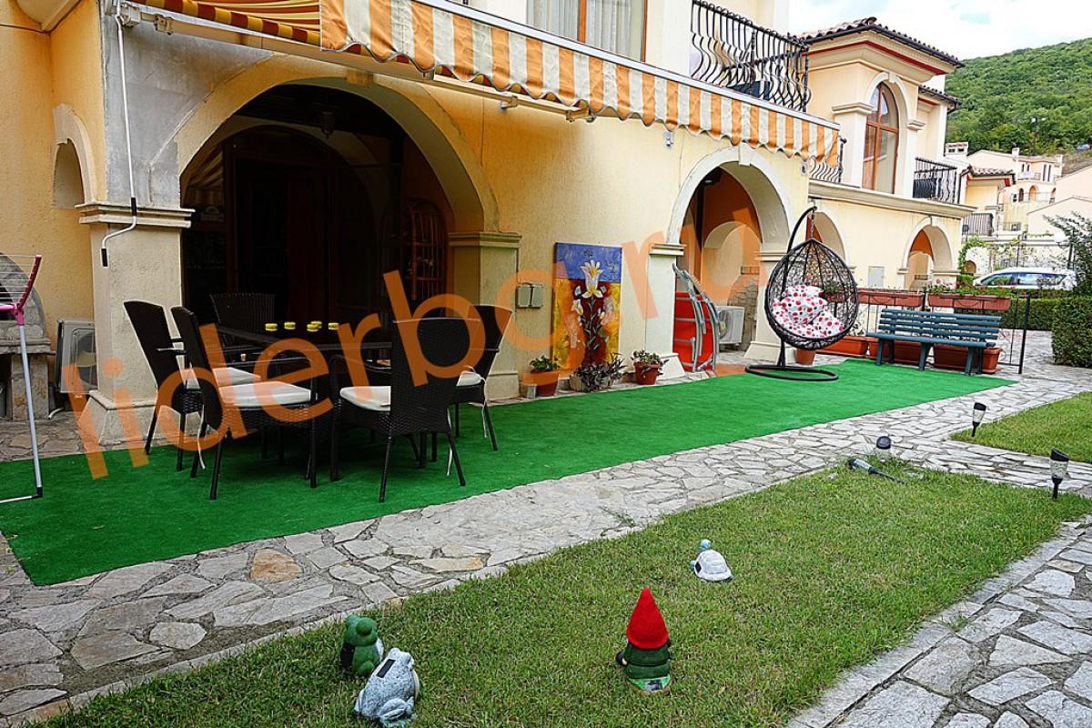 Вилла с 6 спальнями в Елените в Вилла Романа в Болгарии