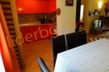 Кухонная зона в Вилла Романа в Елените в Болгарии