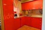 Оборудованная кухонная зона в Вилла Романа в Елените в Болгарии