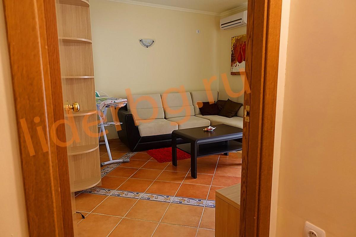 Уютная спальня на первом этаже в Вилла Романа в Елените в Болгарии