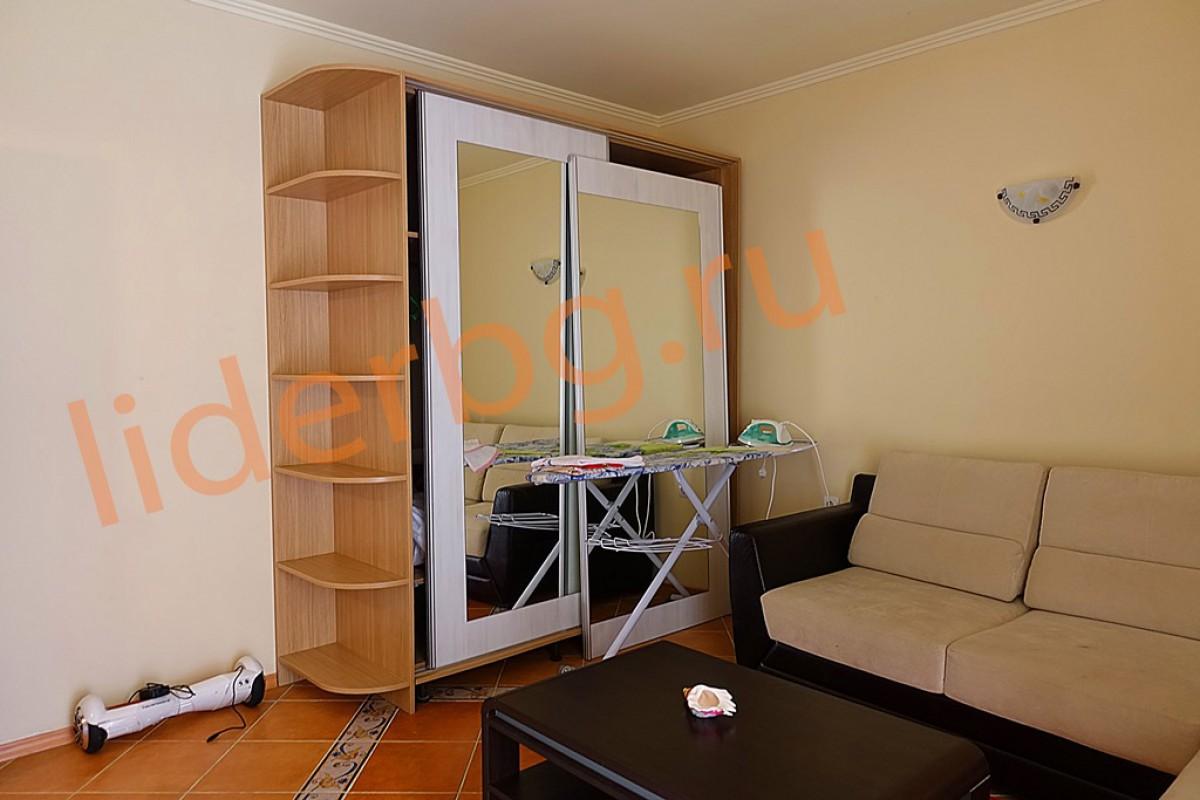 Меблированная спальня на первом этаже в Вилла Романа в Елените в Болгарии