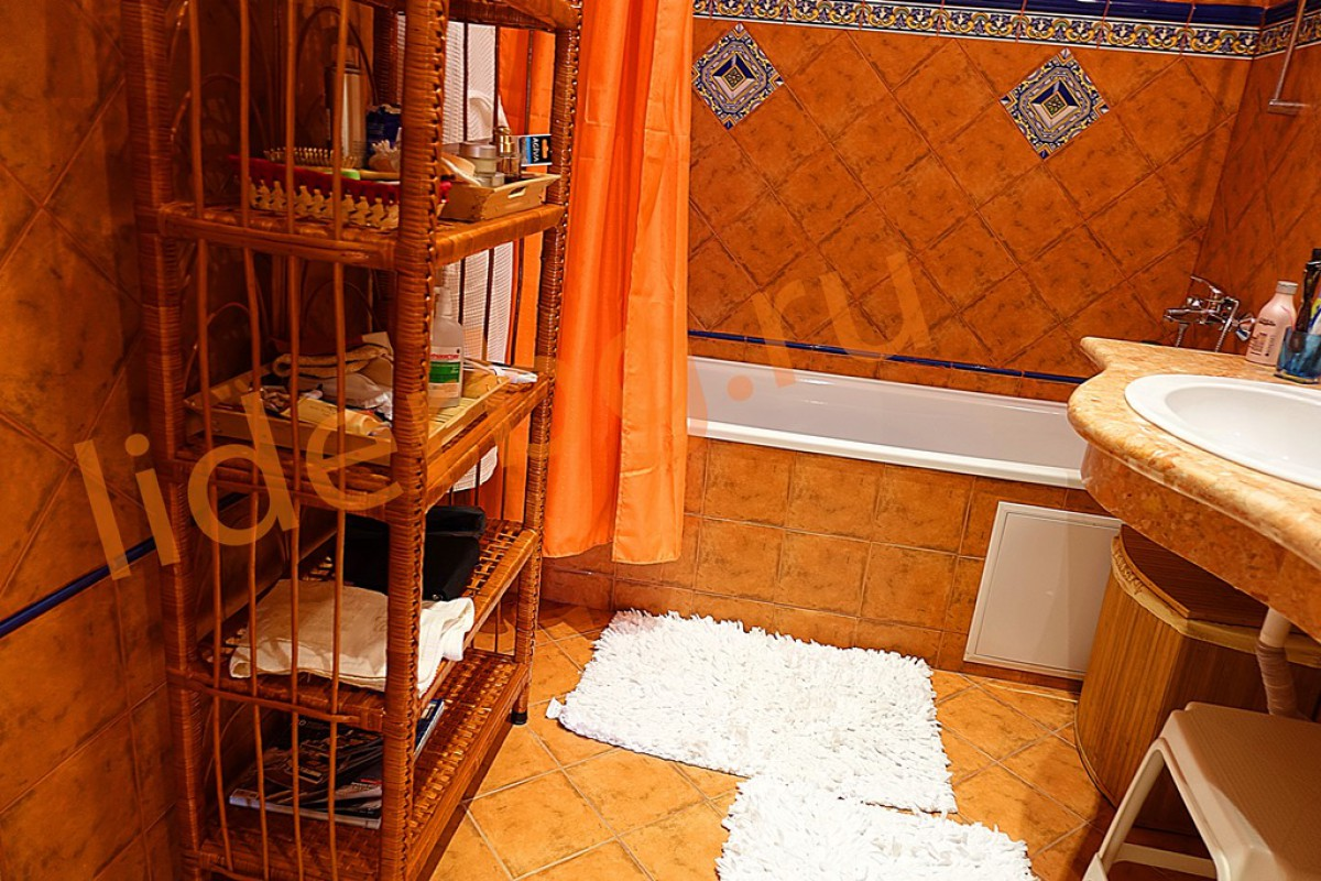 Оборудованный третий санитарный узел в Вилла Романа в Елените в Болгарии
