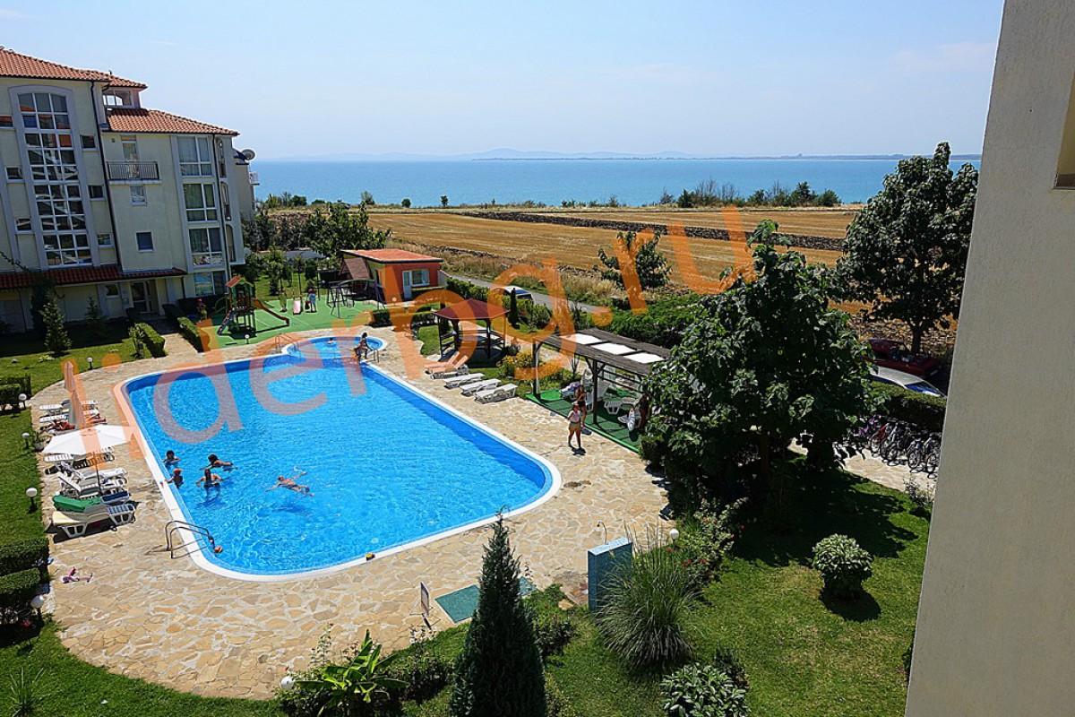 Двухкомнатная квартира с видом на море в Равде Болгария