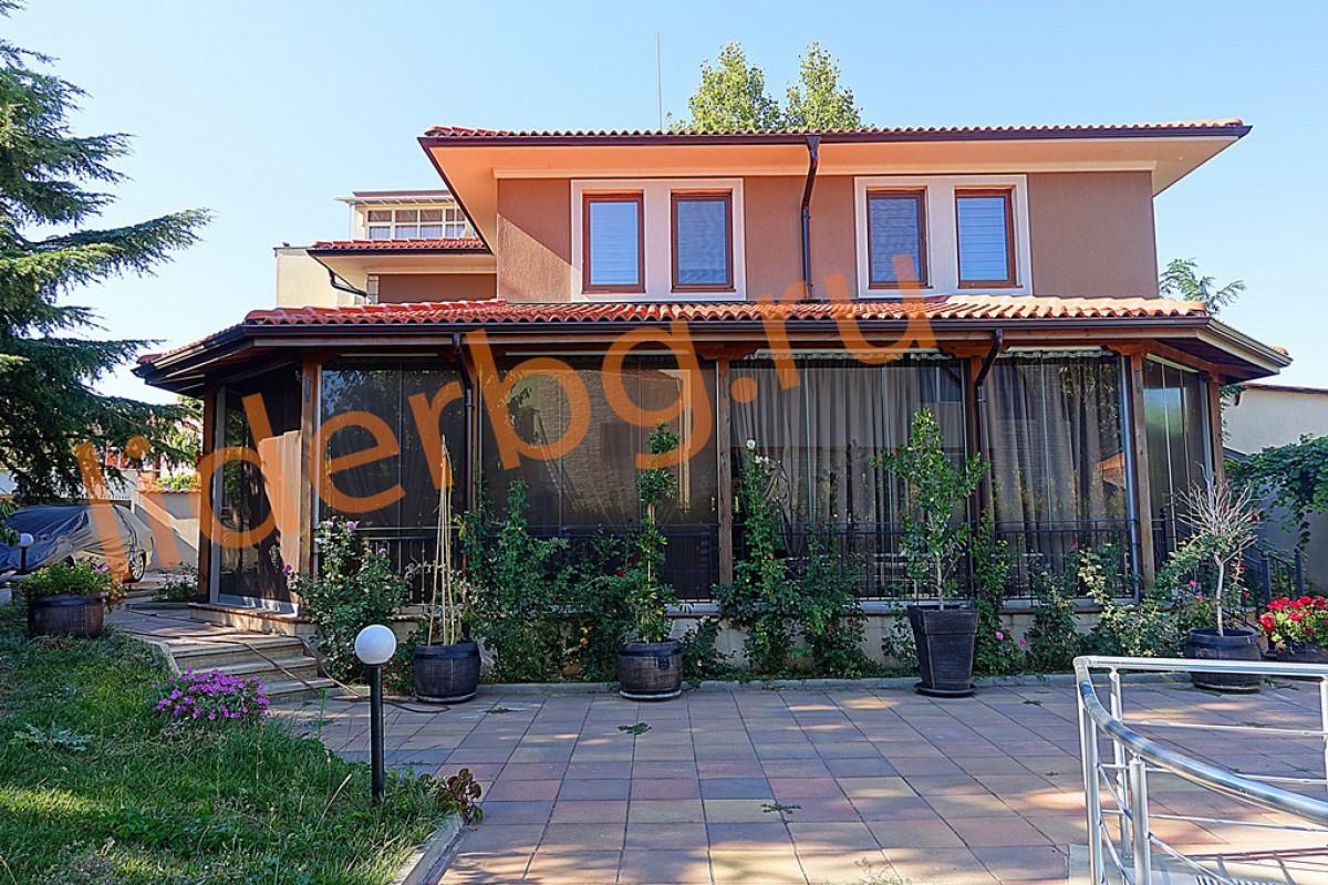 Редкостное предложение для тех, кто намерен жить круглый год в своем доме в центре болгарского черноморского городка – Равды Болгария