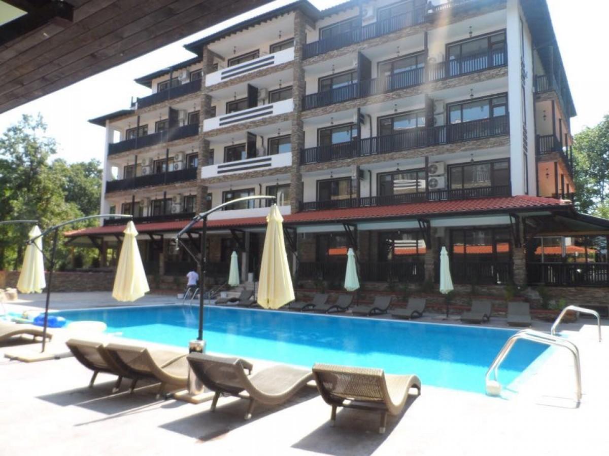 Квартиры в Болгарии в Приморско в комплексе Грин Парадайс 2