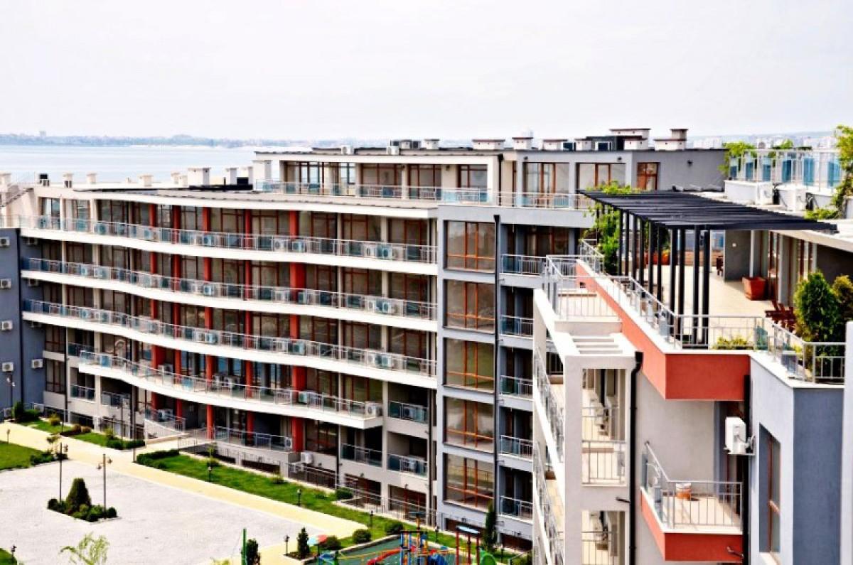 Апартаменты в комплексе Сан Уейв в Святом Власе Болгария
