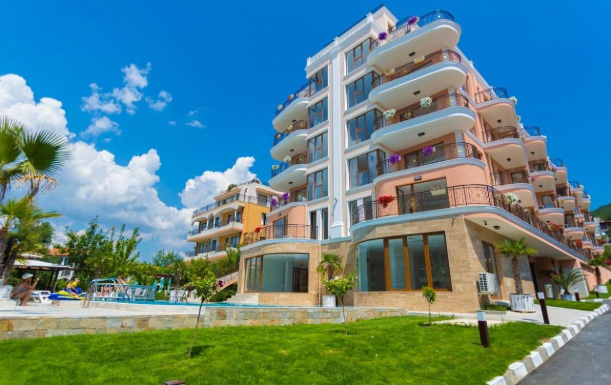 Невижимость в Болгарии в Святом Власе комплекс Феникс