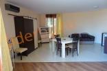 Гостиная зона в студии комплекса Роуз Гарденс на Солнечном берегу в Болгарии