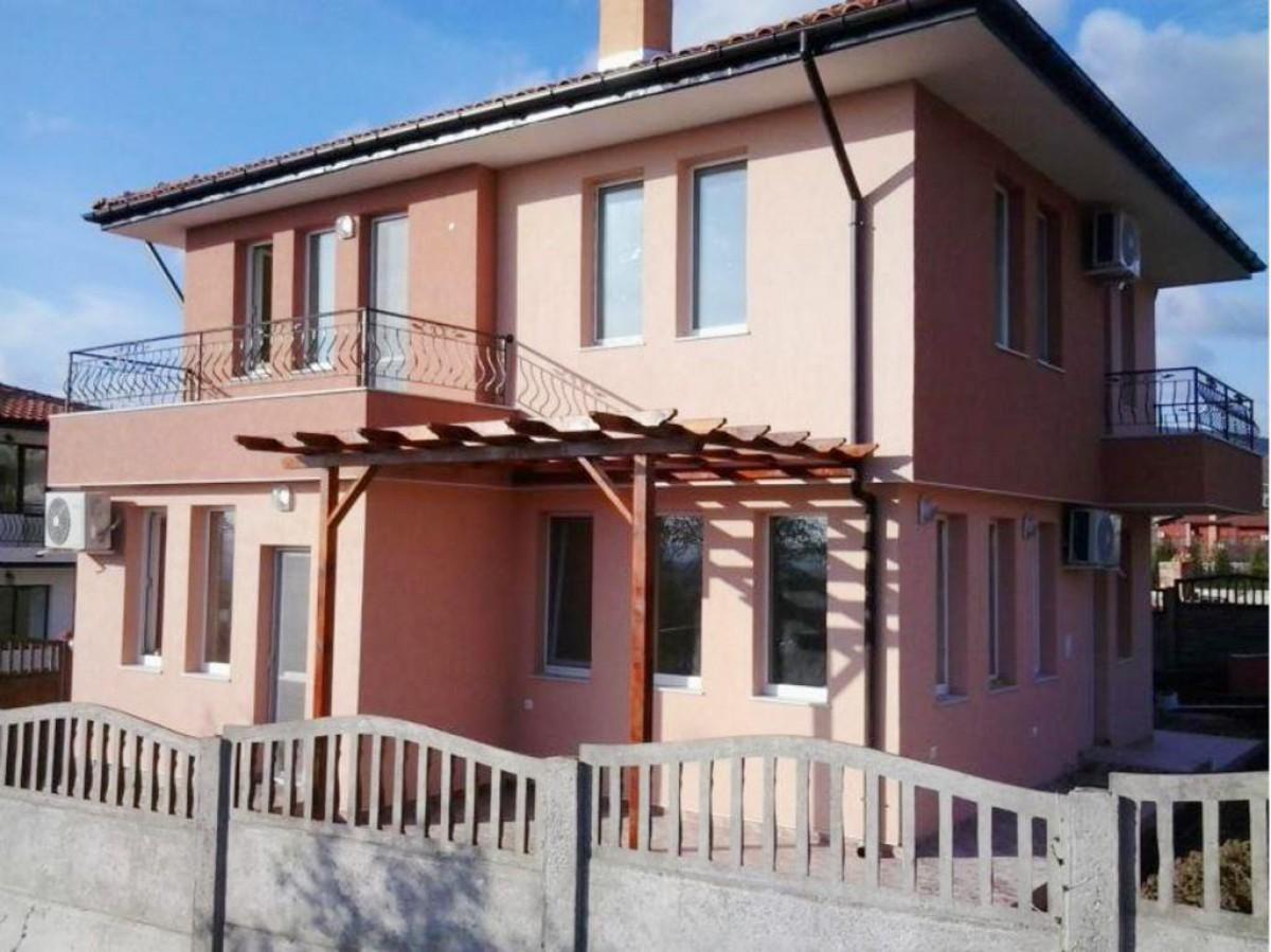 Двухэтажный дом с видом на море в Кошарице Болгария