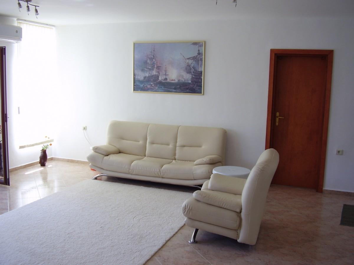 Четырехкомнатная квартира в Святом Власе Болгария