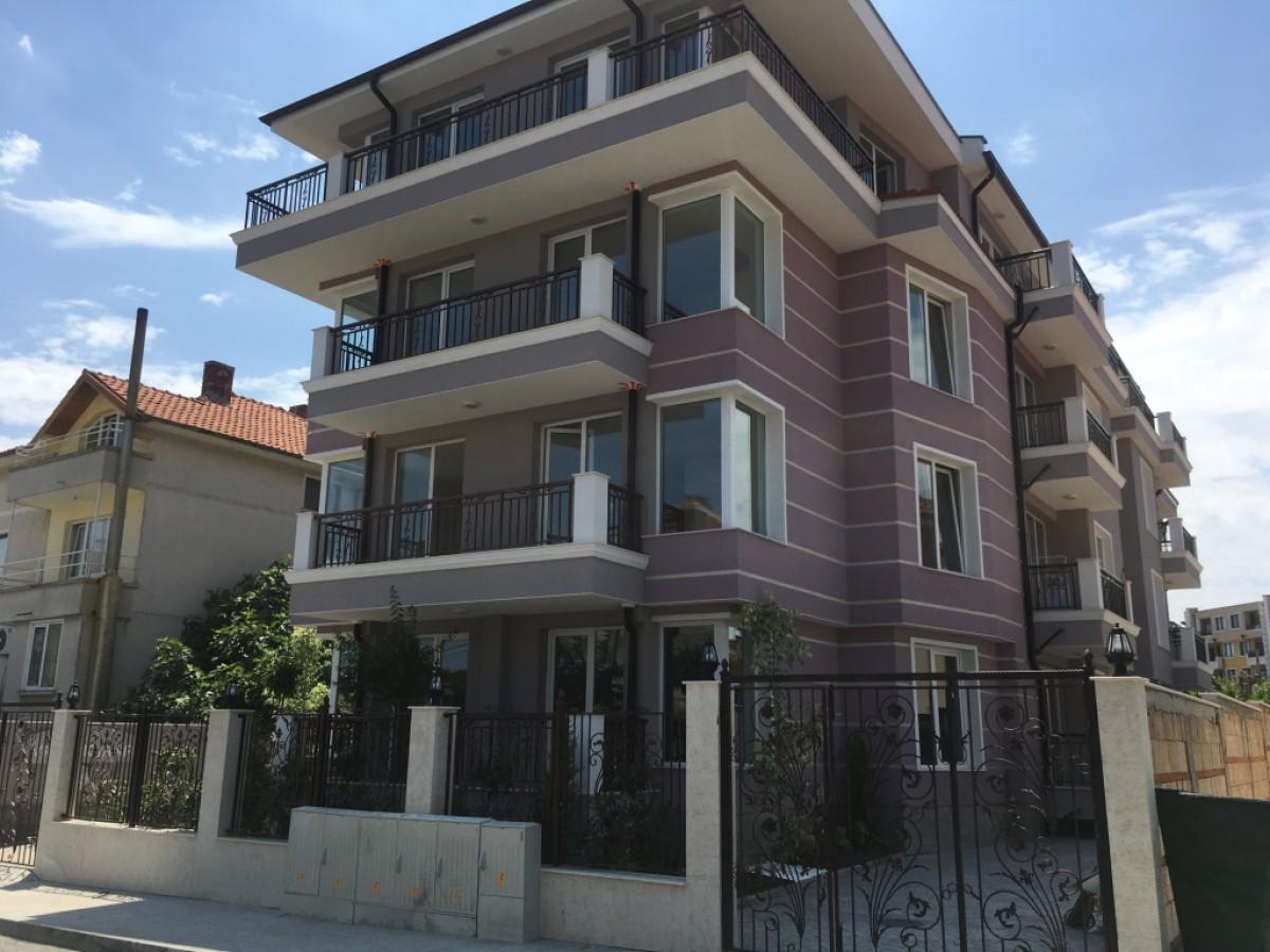 Недвижимость в Болгарии у моря в Равде