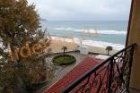 Трехкомнатная квартира на первой линии с видом на море в комплексе Андалузия в Елените Болгария