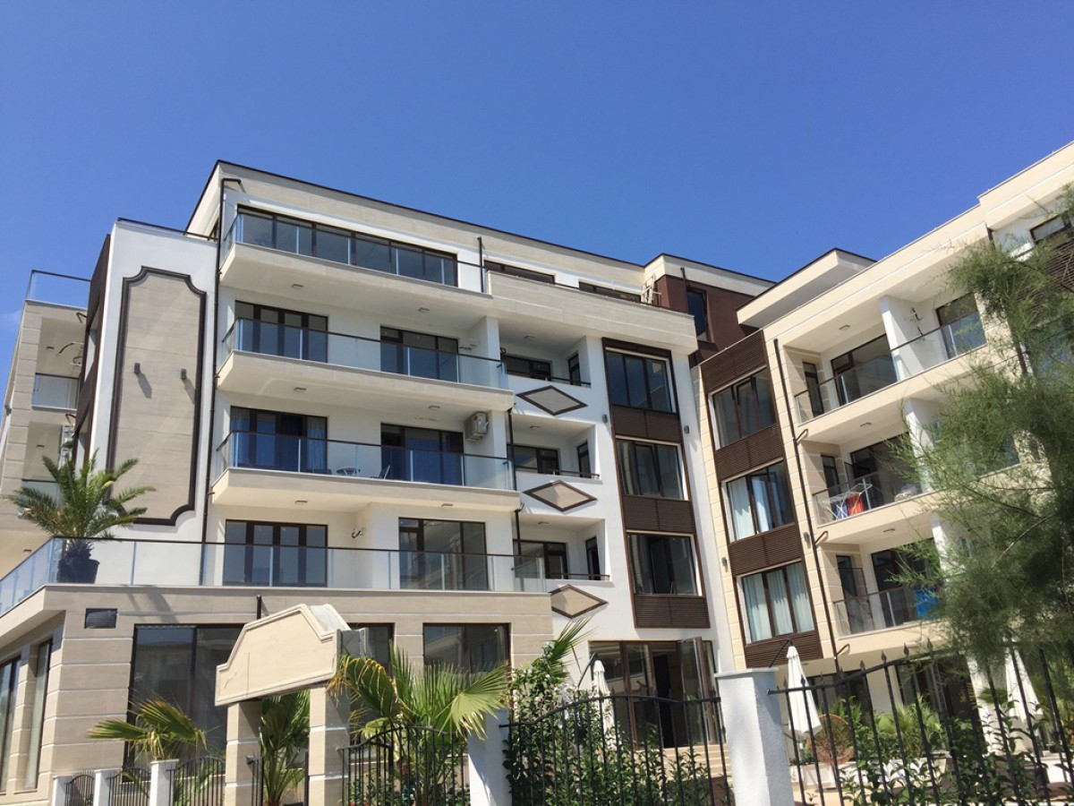 Недвижимость в Болгарии в Приморско в комплексе Грин Парадайс де Люкс