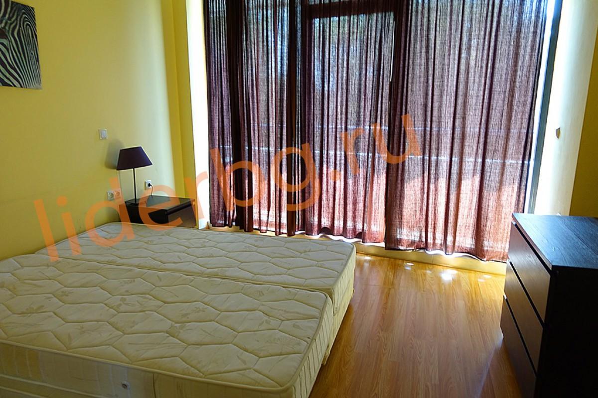 Просторная спальня в апартаменте комплекса Бумеранг на Солнечном берегу