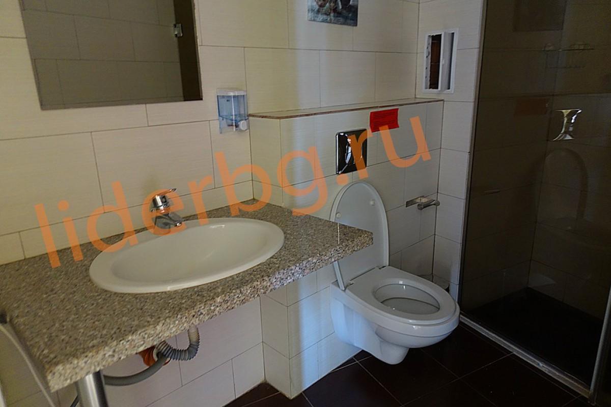 Оборудованный санитарный узел в апартаменте комплекса Бумеранг на Солнечном берегу в Болгарии