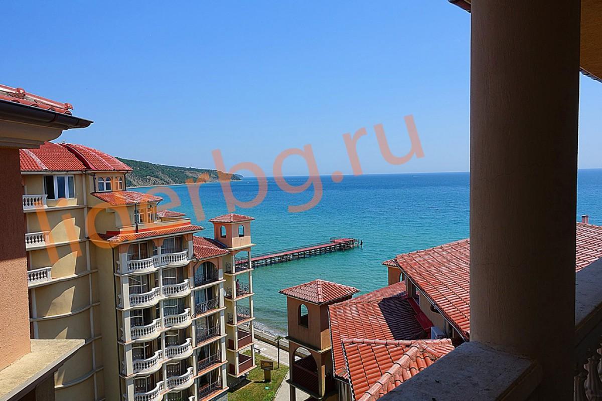 Апартамент с 1 спальней на первой линии от моря в Елените Болгария