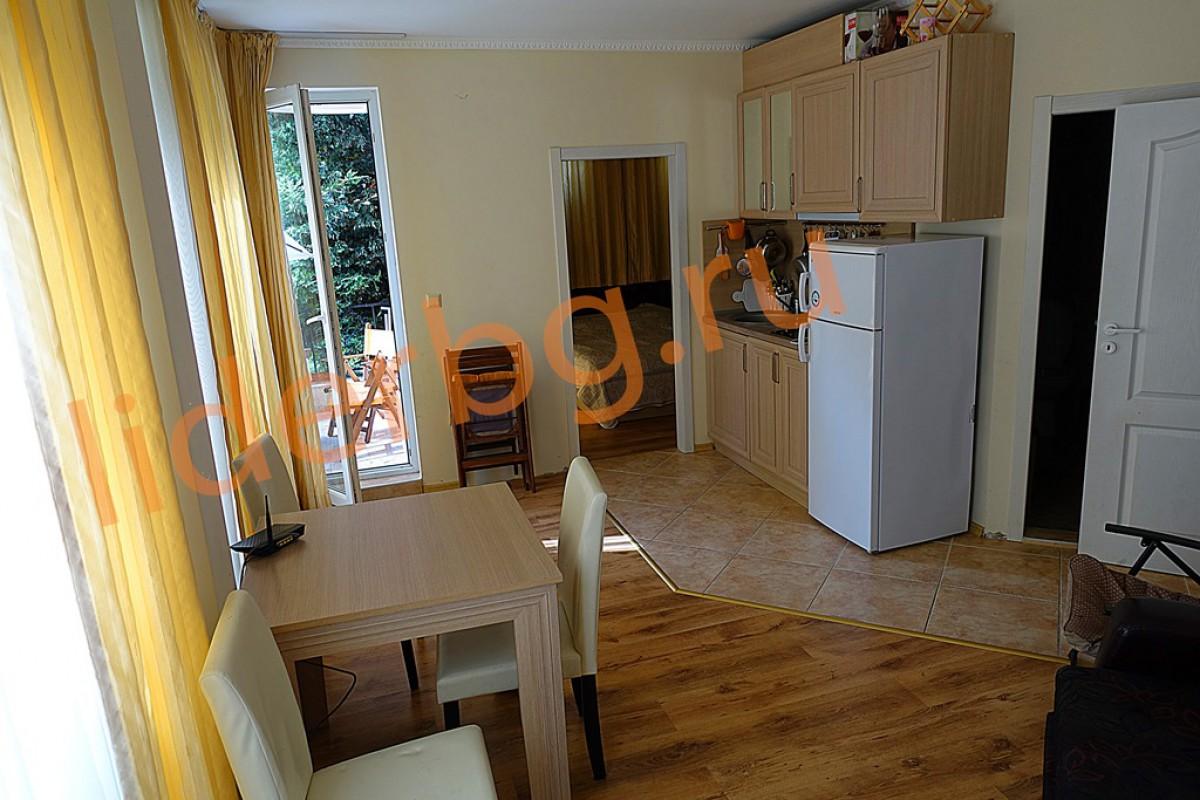 Квартира в 100 метрах от южного пляжа в Равде Болгария