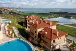 Квартиры с видом на море в Thracian Cliffs Golf & Beach Resort в Каварне Болгария