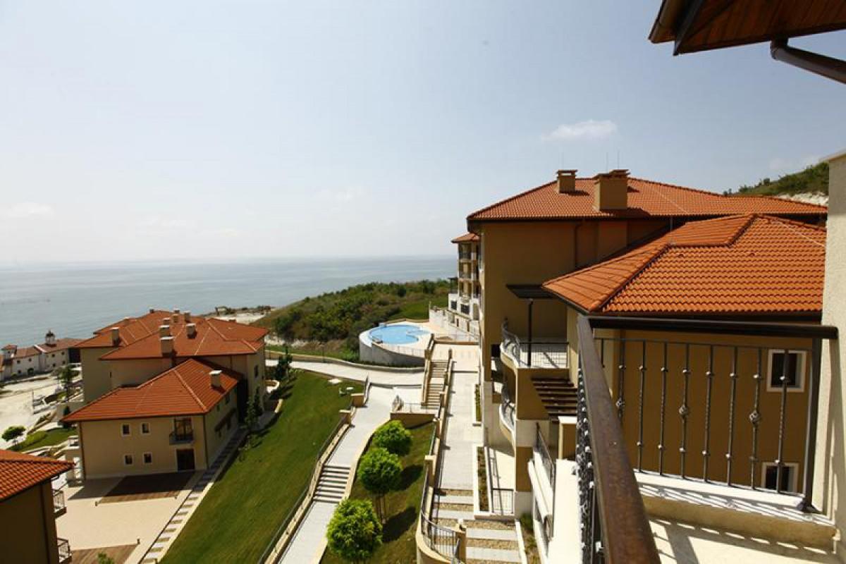 Недвижимость в Болгарии в Каварне в Thracian Cliffs Golf & Beach Resort