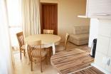 Столовая зона в квартире комплекса Мохита Клуб в Лозенец в Болгарии