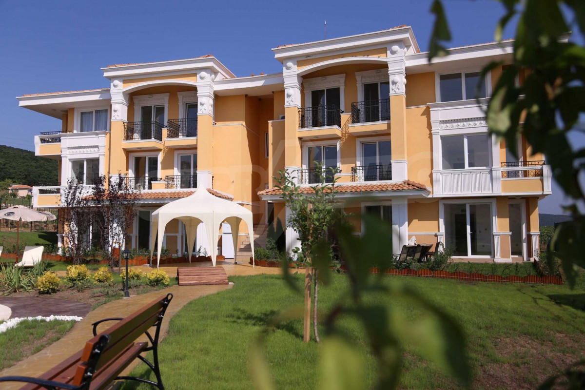Квартиры в комплексе Сансет Делюкс-Маритима в Кошарице в Болгария