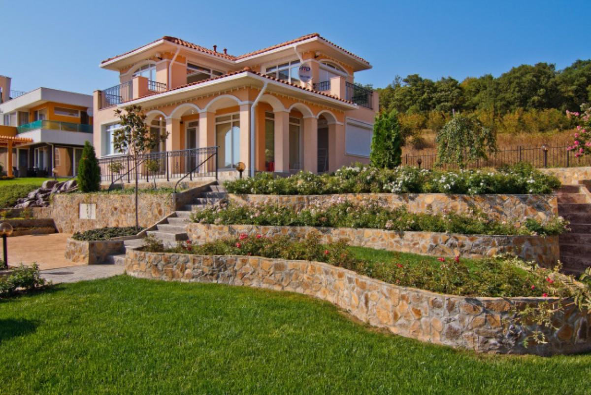 Недвижимость в Болгарии дом