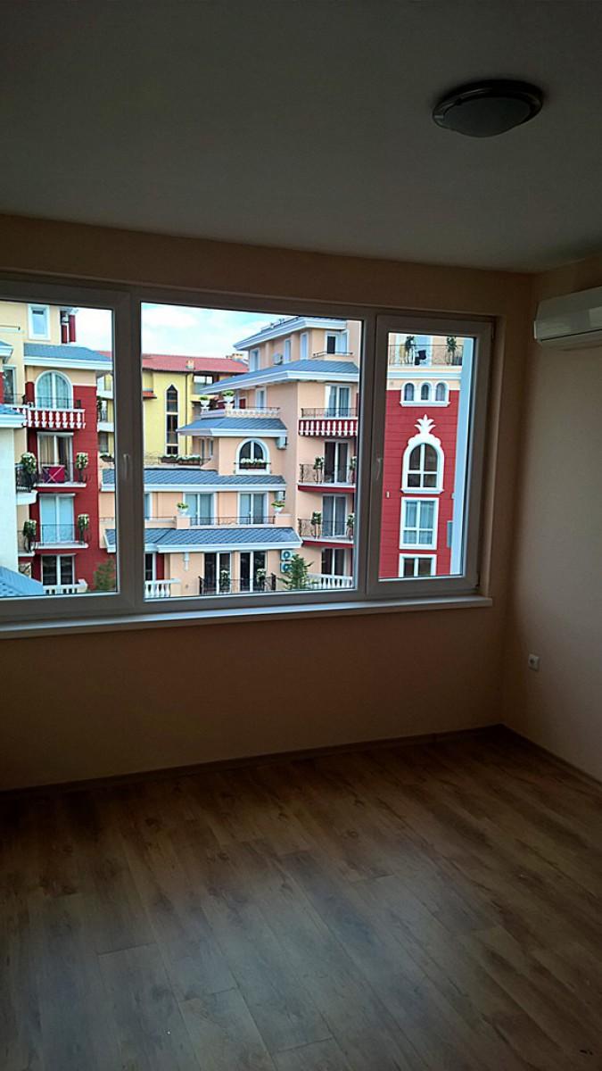 Студия с просторной террасой в комплексе Месачбрия Палас на Солнечном берегу в Болгарии