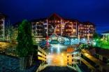 Ночной вид на комплекс Бельведере Холидей Клуб в Банско Болгария